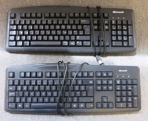 Joblot 2 x Microsoft X821417-008 Wired Keyboard 200 USB Black